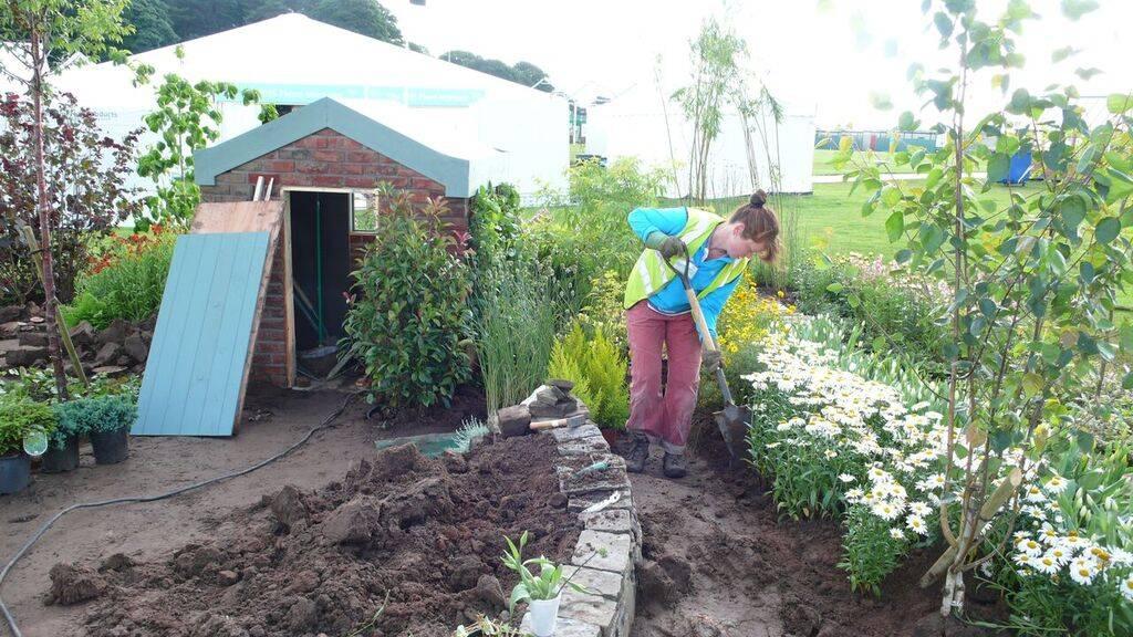 Human-Nature Escapes CIC - Jacqui Symons in Show Garden